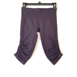 Lululemon in the flow cropped size 8 plum